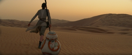 Star Wars: The Force Awakens L to R: Rey (Daisy Ridley) and BB-8 Ph: Film Frame © 2014 Lucasfilm Ltd. & TM. All Right Reserved..